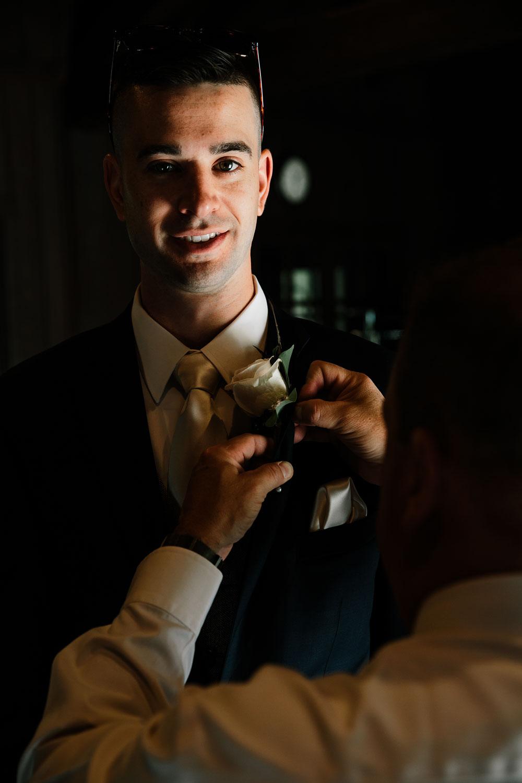 happy-days-lodge-cuyahoga-valley-national-park-wedding-photographers-peninsula-ohio-45.jpg