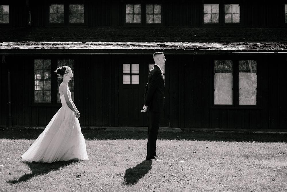 happy-days-lodge-cuyahoga-valley-national-park-wedding-photographers-peninsula-ohio-48.jpg