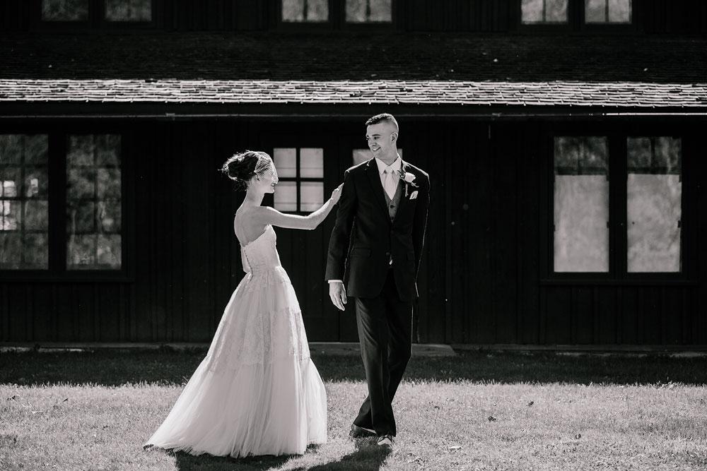 happy-days-lodge-cuyahoga-valley-national-park-wedding-photographers-peninsula-ohio-49.jpg