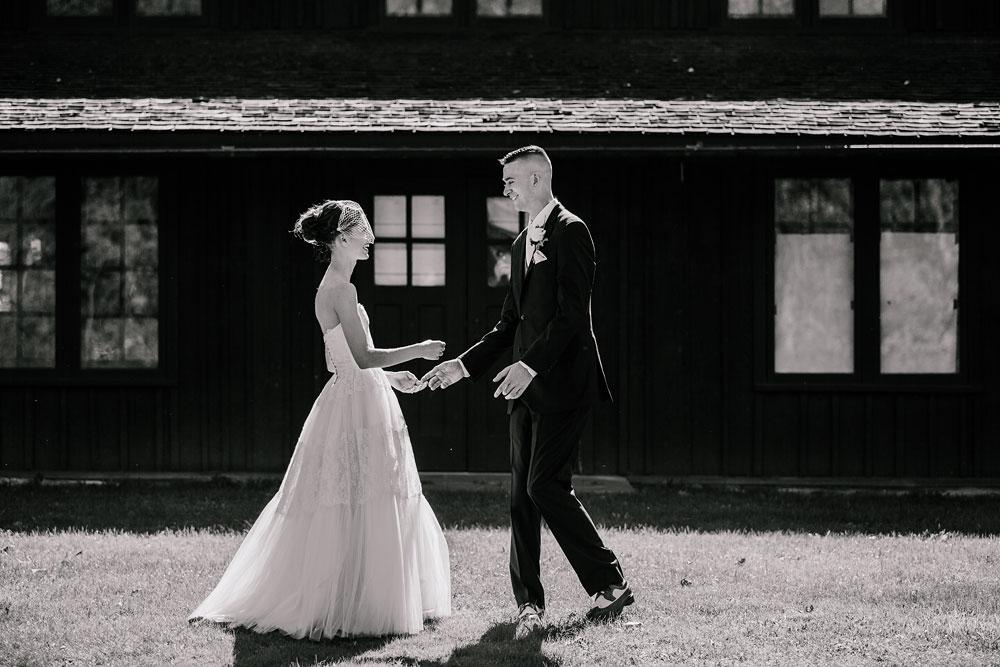 happy-days-lodge-cuyahoga-valley-national-park-wedding-photographers-peninsula-ohio-50.jpg