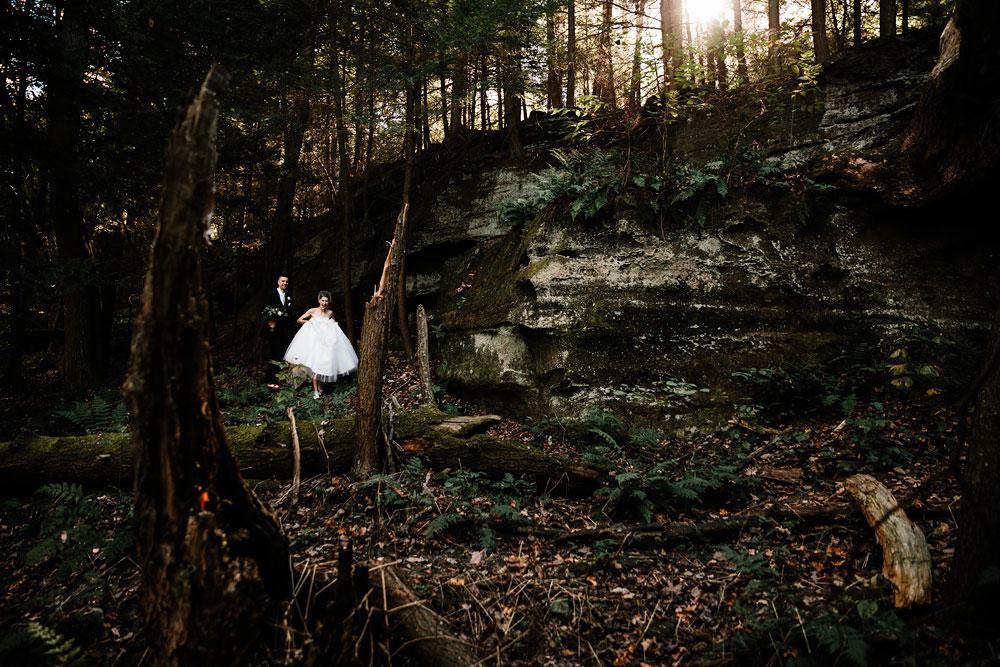 happy-days-lodge-cuyahoga-valley-national-park-wedding-photographers-peninsula-ohio-75.jpg