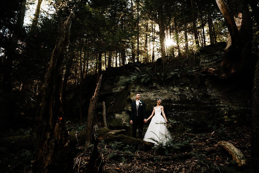 happy-days-lodge-cuyahoga-valley-national-park-wedding-photographers-peninsula-ohio-76.jpg