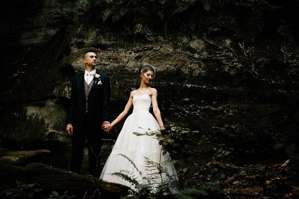 happy-days-lodge-cuyahoga-valley-national-park-wedding-photographers-peninsula-ohio-77.jpg