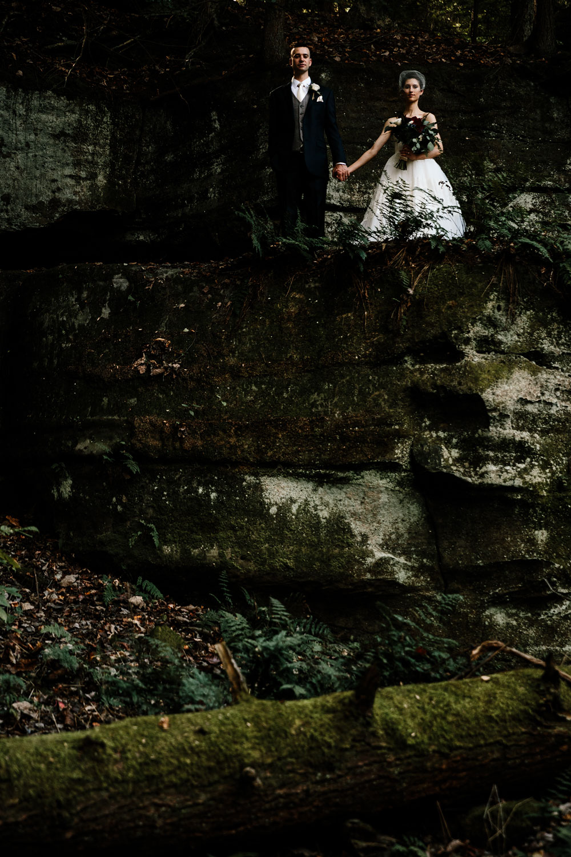 happy-days-lodge-cuyahoga-valley-national-park-wedding-photographers-peninsula-ohio-82.jpg