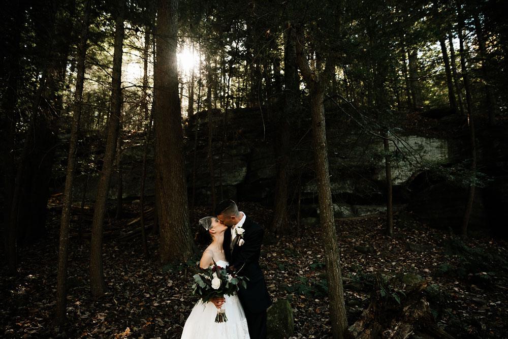 happy-days-lodge-cuyahoga-valley-national-park-wedding-photographers-peninsula-ohio-84.jpg