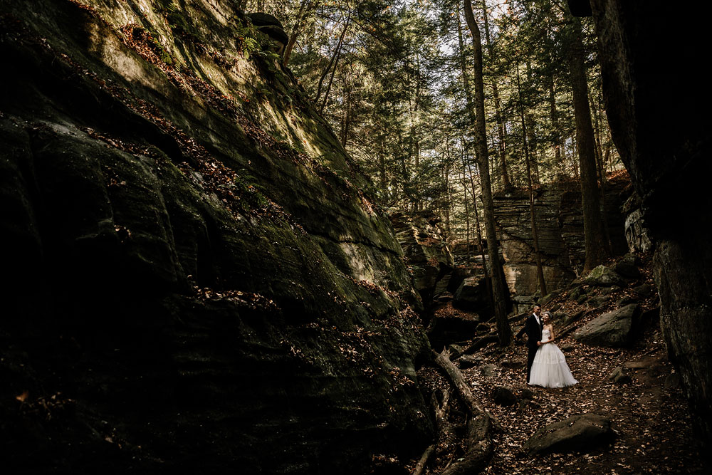 happy-days-lodge-cuyahoga-valley-national-park-wedding-photographers-peninsula-ohio-91.jpg