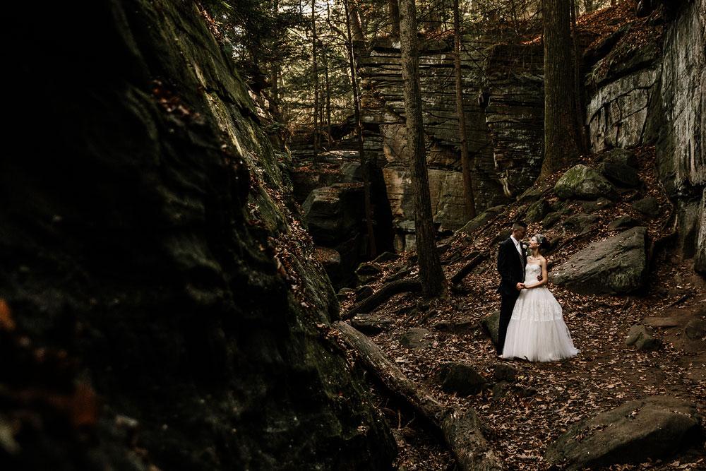 happy-days-lodge-cuyahoga-valley-national-park-wedding-photographers-peninsula-ohio-92.jpg