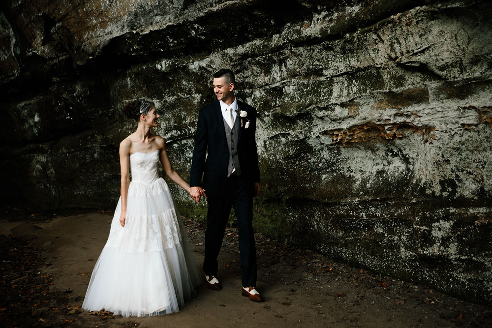 happy-days-lodge-cuyahoga-valley-national-park-wedding-photographers-peninsula-ohio-93.jpg