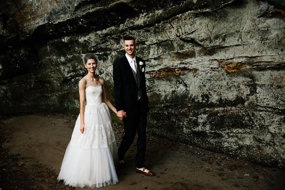 happy-days-lodge-cuyahoga-valley-national-park-wedding-photographers-peninsula-ohio-94.jpg