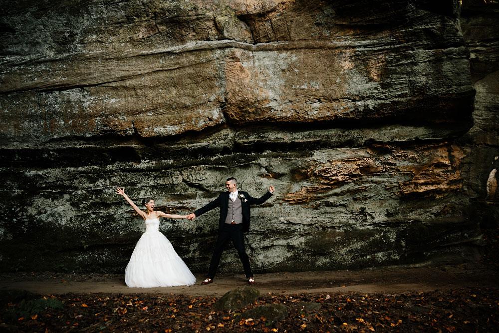 happy-days-lodge-cuyahoga-valley-national-park-wedding-photographers-peninsula-ohio-95.jpg