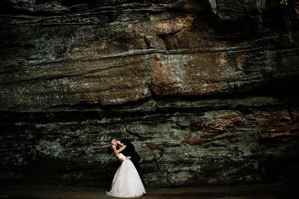 happy-days-lodge-cuyahoga-valley-national-park-wedding-photographers-peninsula-ohio-96.jpg