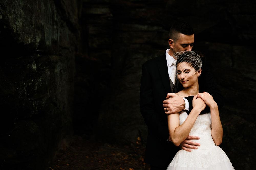 happy-days-lodge-cuyahoga-valley-national-park-wedding-photographers-peninsula-ohio-98.jpg
