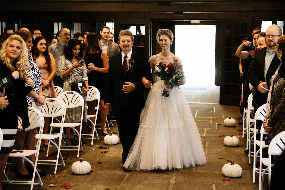 happy-days-lodge-cuyahoga-valley-national-park-wedding-photographers-peninsula-ohio-114.jpg