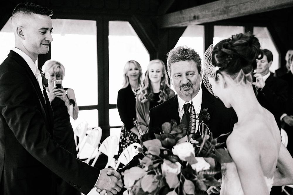 happy-days-lodge-cuyahoga-valley-national-park-wedding-photographers-peninsula-ohio-116.jpg
