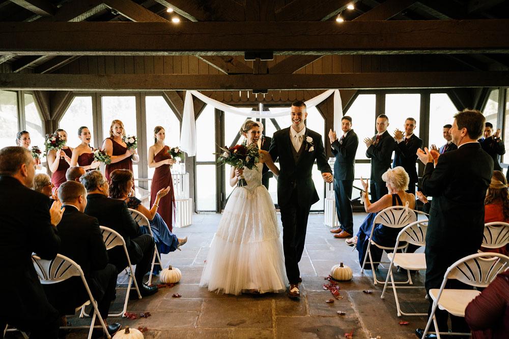 happy-days-lodge-cuyahoga-valley-national-park-wedding-photographers-peninsula-ohio-121.jpg