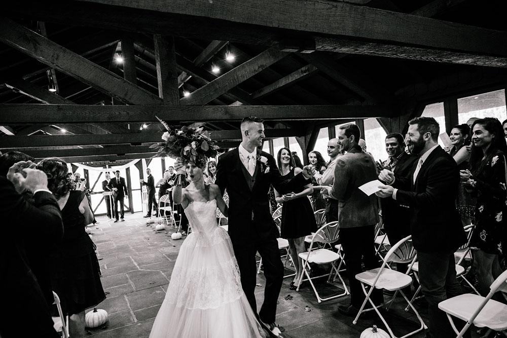 happy-days-lodge-cuyahoga-valley-national-park-wedding-photographers-peninsula-ohio-122.jpg