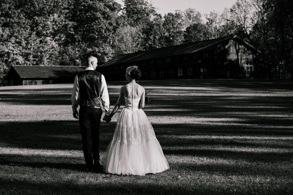 happy-days-lodge-cuyahoga-valley-national-park-wedding-photographers-peninsula-ohio-131.jpg