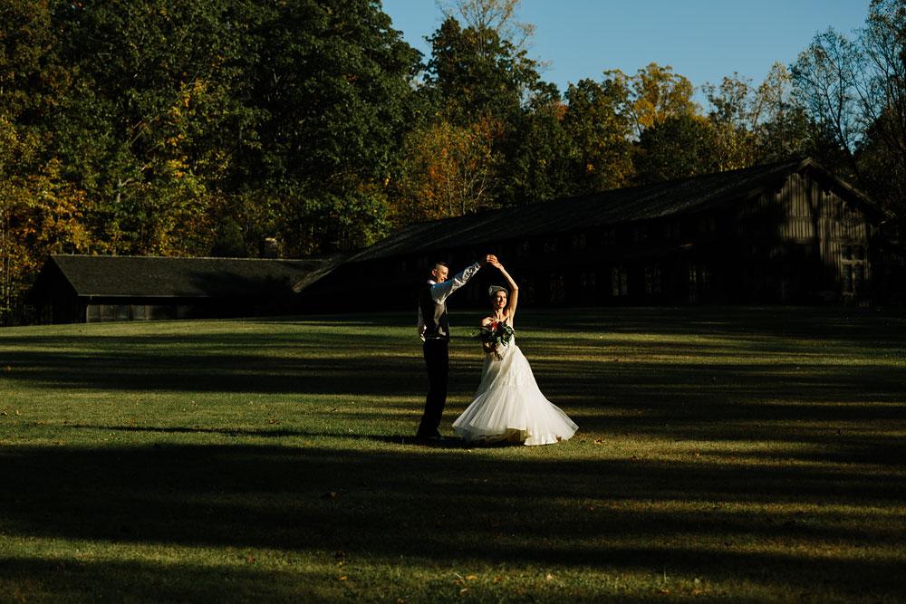 happy-days-lodge-cuyahoga-valley-national-park-wedding-photographers-peninsula-ohio-132.jpg
