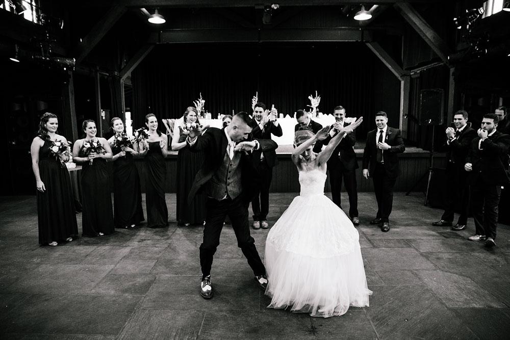 happy-days-lodge-cuyahoga-valley-national-park-wedding-photographers-peninsula-ohio-139.jpg