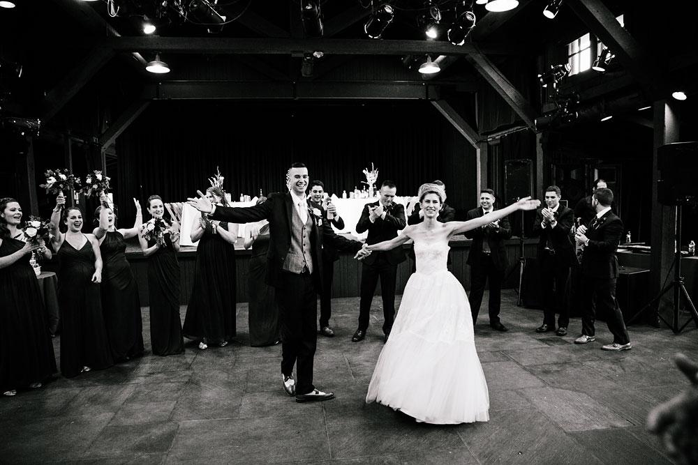 happy-days-lodge-cuyahoga-valley-national-park-wedding-photographers-peninsula-ohio-140.jpg