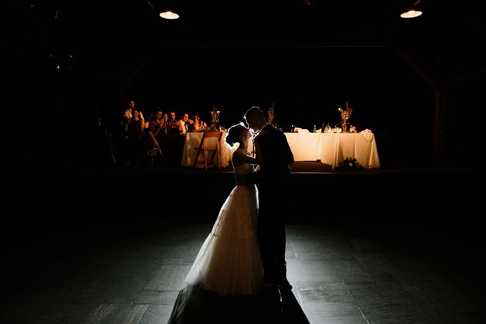 happy-days-lodge-cuyahoga-valley-national-park-wedding-photographers-peninsula-ohio-148.jpg