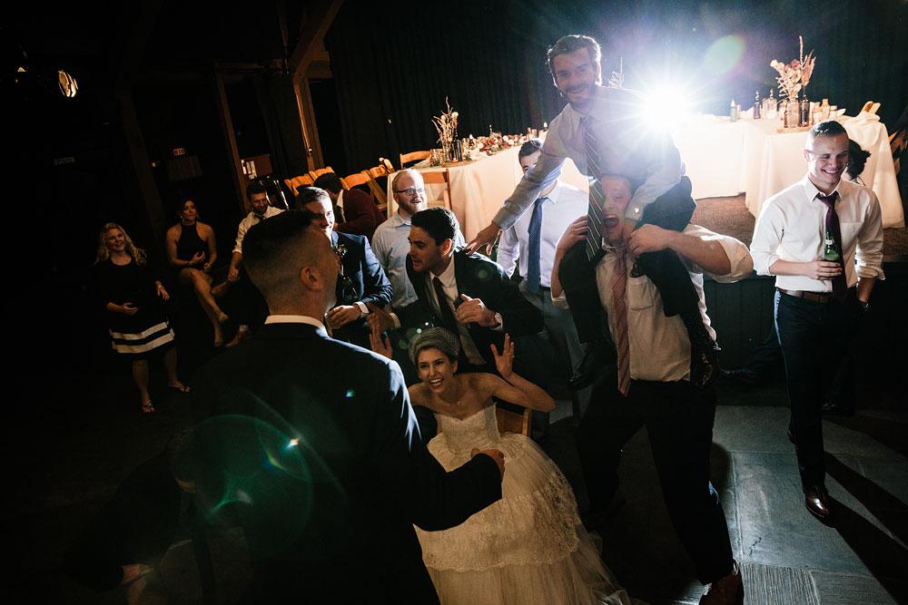 happy-days-lodge-cuyahoga-valley-national-park-wedding-photographers-peninsula-ohio-161.jpg