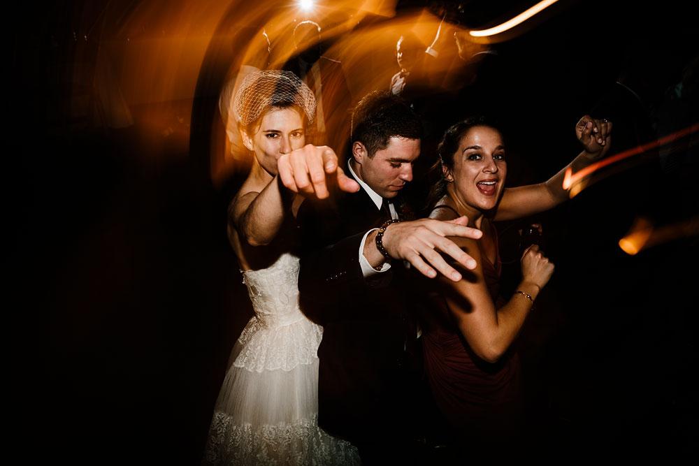 happy-days-lodge-cuyahoga-valley-national-park-wedding-photographers-peninsula-ohio-167.jpg