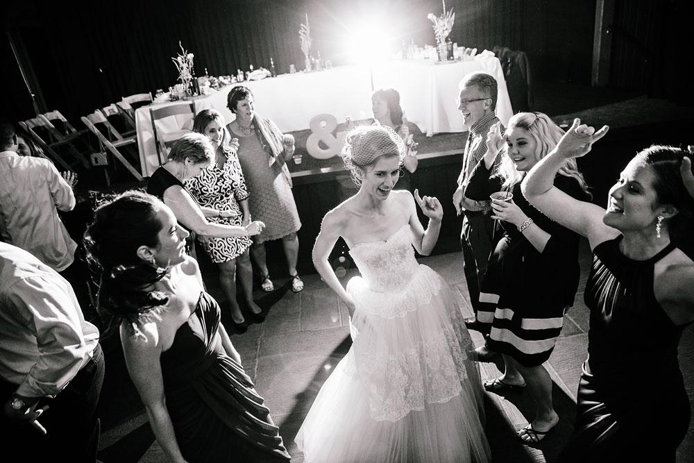 happy-days-lodge-cuyahoga-valley-national-park-wedding-photographers-peninsula-ohio-174.jpg
