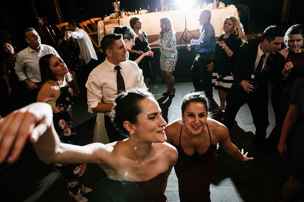 happy-days-lodge-cuyahoga-valley-national-park-wedding-photographers-peninsula-ohio-176.jpg