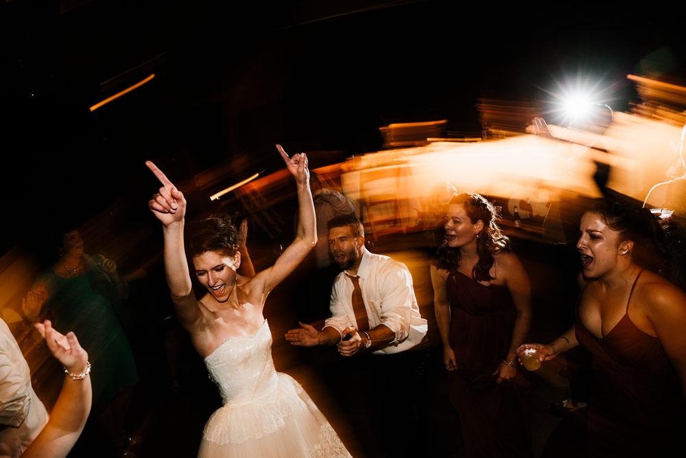 happy-days-lodge-cuyahoga-valley-national-park-wedding-photographers-peninsula-ohio-179.jpg