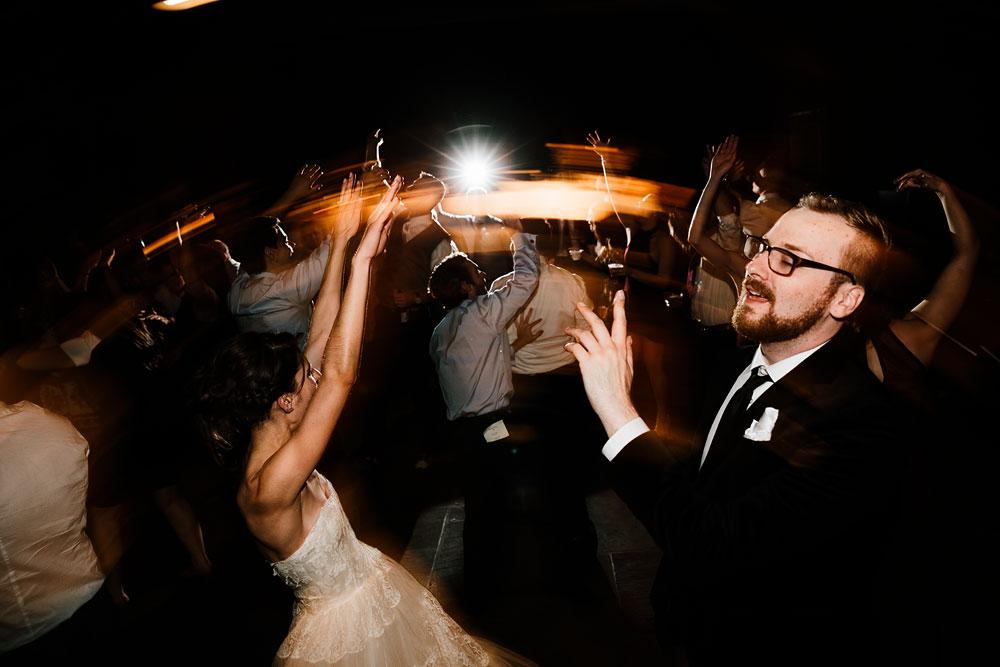 happy-days-lodge-cuyahoga-valley-national-park-wedding-photographers-peninsula-ohio-183.jpg