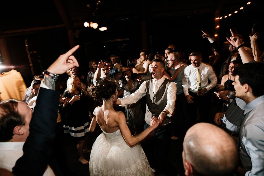 happy-days-lodge-cuyahoga-valley-national-park-wedding-photographers-peninsula-ohio-186.jpg