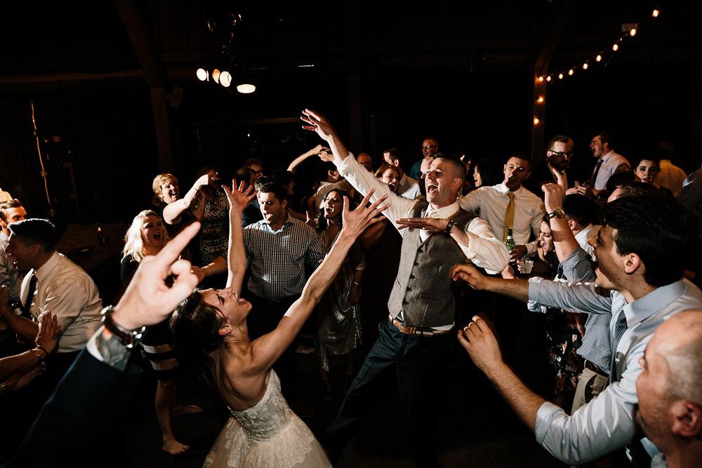 happy-days-lodge-cuyahoga-valley-national-park-wedding-photographers-peninsula-ohio-187.jpg