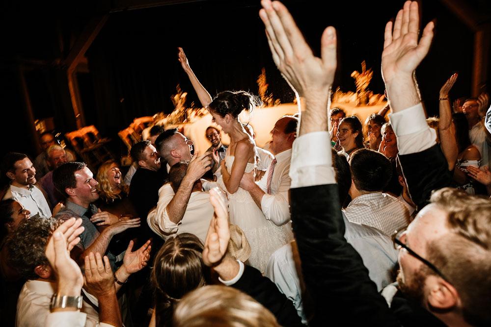 happy-days-lodge-cuyahoga-valley-national-park-wedding-photographers-peninsula-ohio-194.jpg