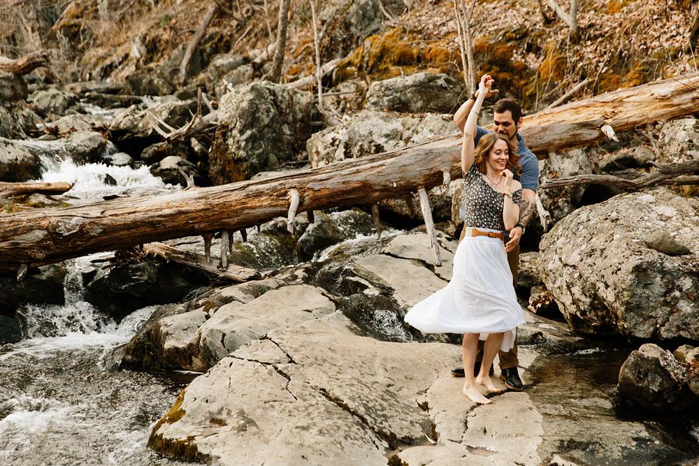 adventure-wedding-photographers-at-shenandoah-national-park-22.jpg