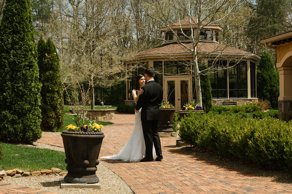 cleveland-wedding-photographers-gervasi-vineyard-canton-ohio-venue-32.jpg