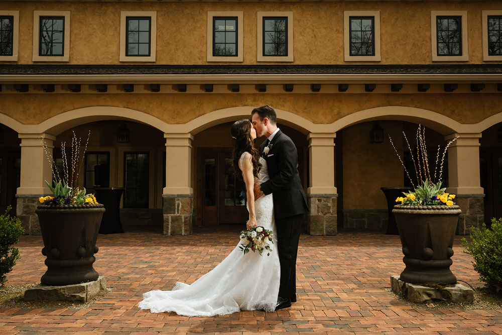 cleveland-wedding-photographers-gervasi-vineyard-canton-ohio-venue-34.jpg