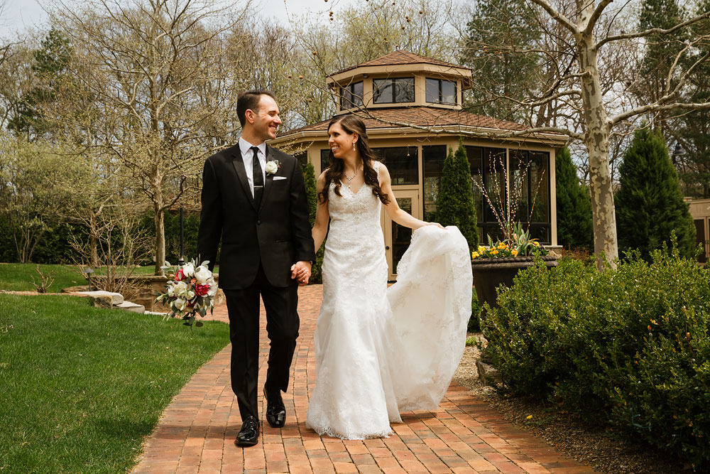cleveland-wedding-photographers-gervasi-vineyard-canton-ohio-venue-35.jpg