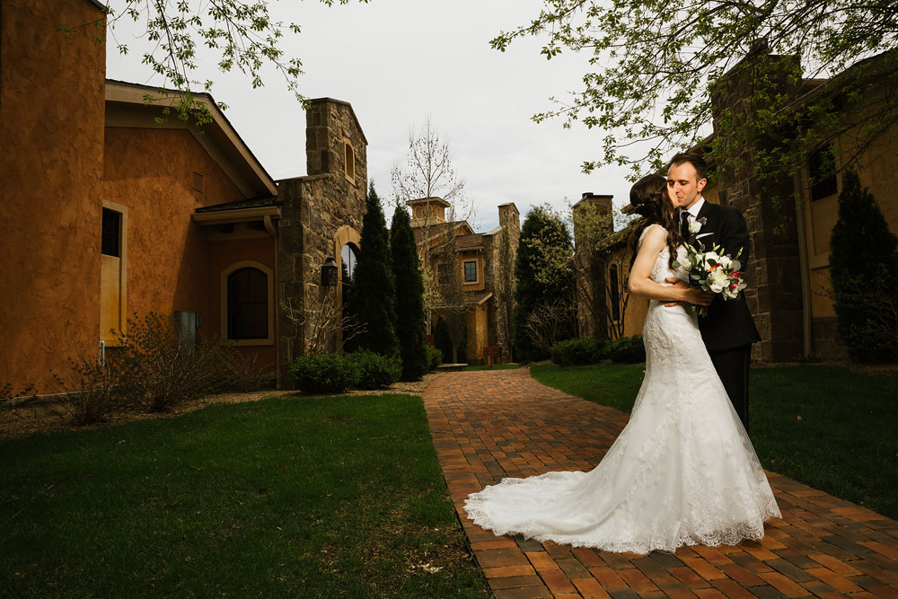 cleveland-wedding-photographers-gervasi-vineyard-canton-ohio-venue-42.jpg