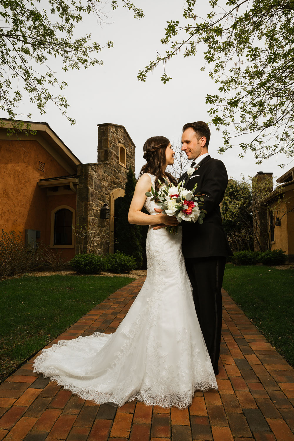 cleveland-wedding-photographers-gervasi-vineyard-canton-ohio-venue-43.jpg
