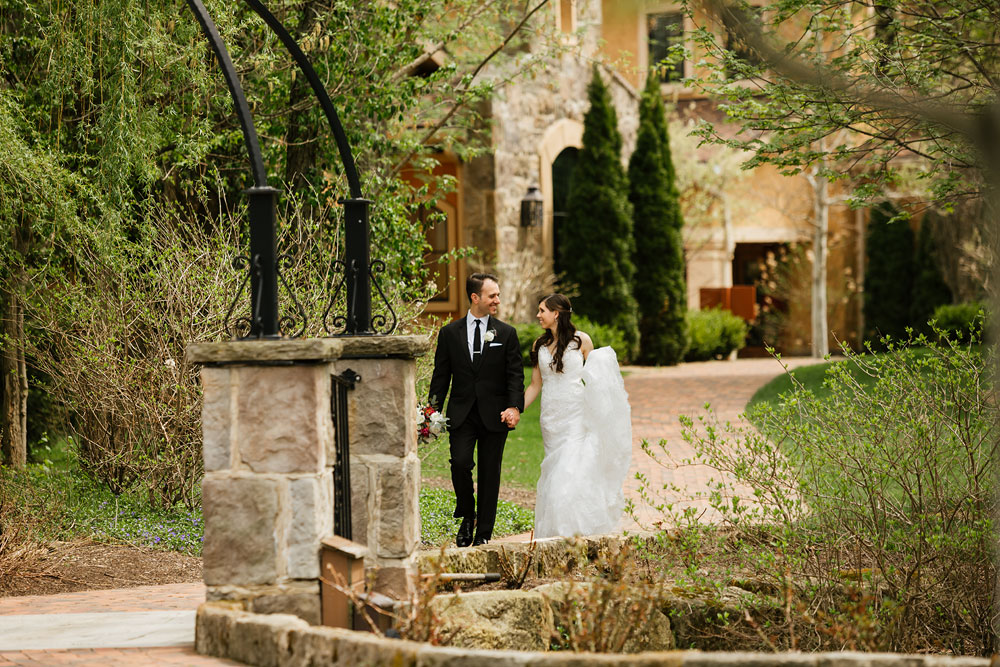 cleveland-wedding-photographers-gervasi-vineyard-canton-ohio-venue-50.jpg
