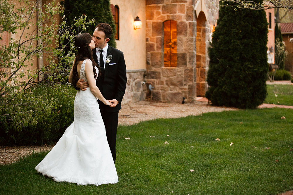 cleveland-wedding-photographers-gervasi-vineyard-canton-ohio-venue-117.jpg