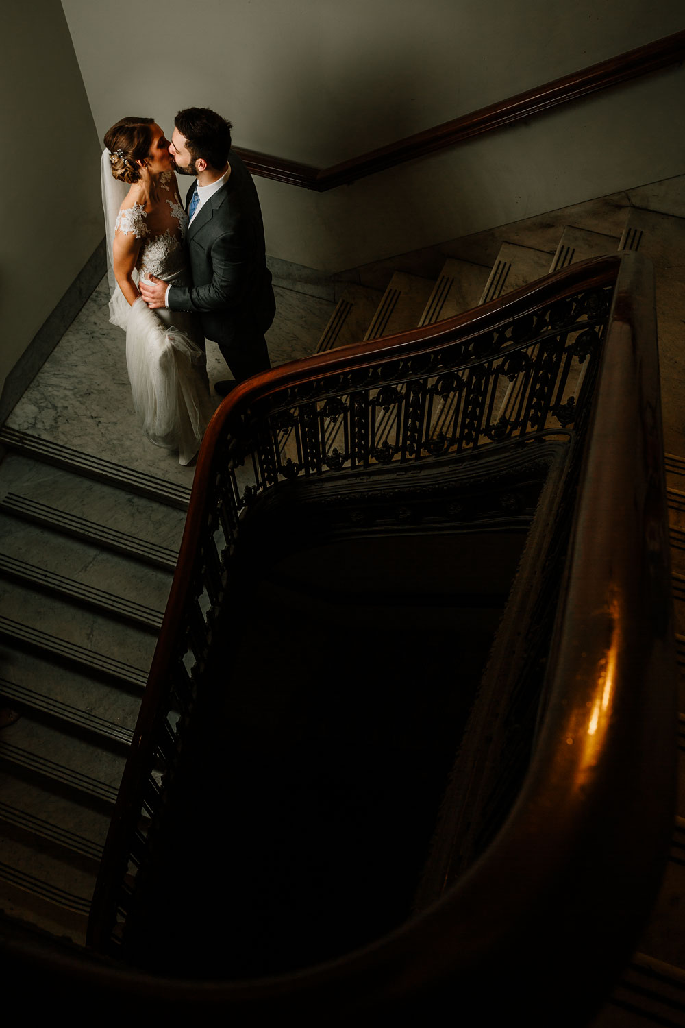 cleveland-wedding-photographers-downtown-playhouse-square-crowne-plaza-hotel-99.jpg