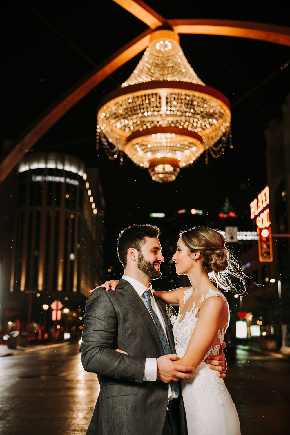 cleveland-wedding-photographers-downtown-playhouse-square-crowne-plaza-hotel-201.jpg