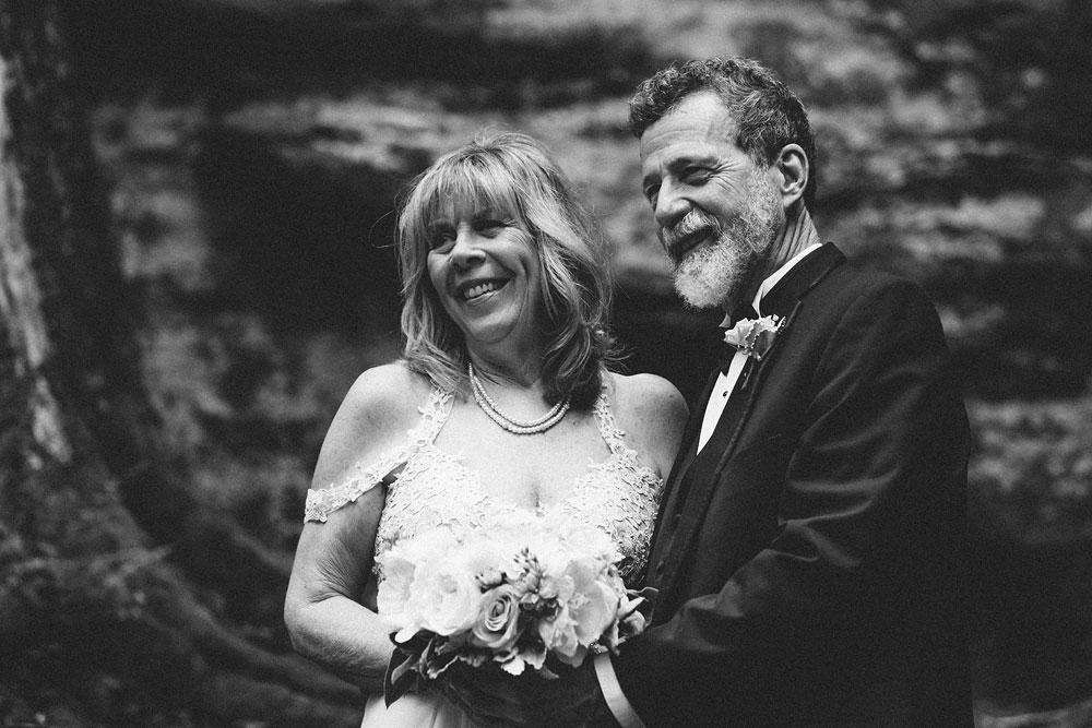 cuyahoga-valley-national-park-wedding-photographers-happy-days-lodge-peninsula-ohio-hudson-ohio-3.jpg