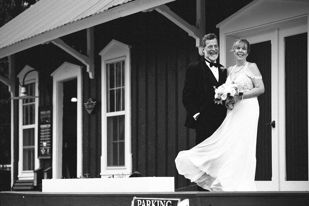 cuyahoga-valley-national-park-wedding-photographers-happy-days-lodge-peninsula-ohio-hudson-ohio-8.jpg
