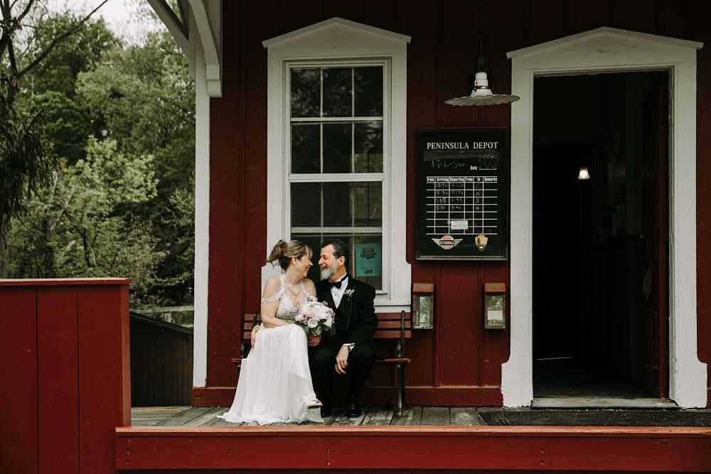 cuyahoga-valley-national-park-wedding-photographers-happy-days-lodge-peninsula-ohio-hudson-ohio-9.jpg