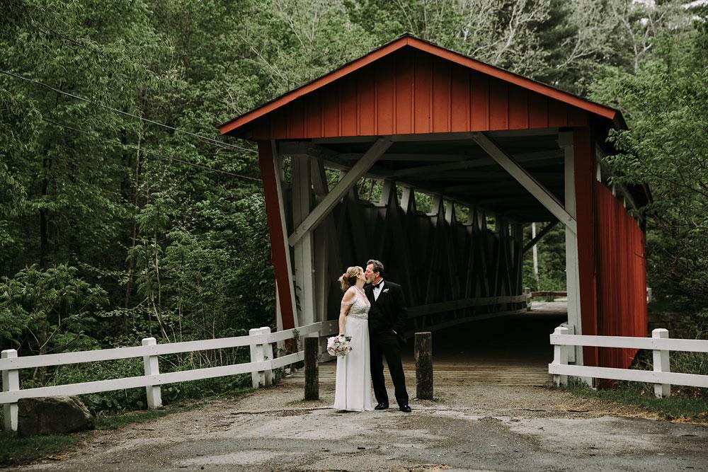 cuyahoga-valley-national-park-wedding-photographers-happy-days-lodge-peninsula-ohio-hudson-ohio-14.jpg