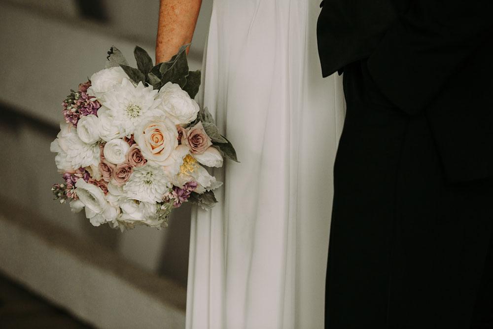 cuyahoga-valley-national-park-wedding-photographers-happy-days-lodge-peninsula-ohio-hudson-ohio-16.jpg