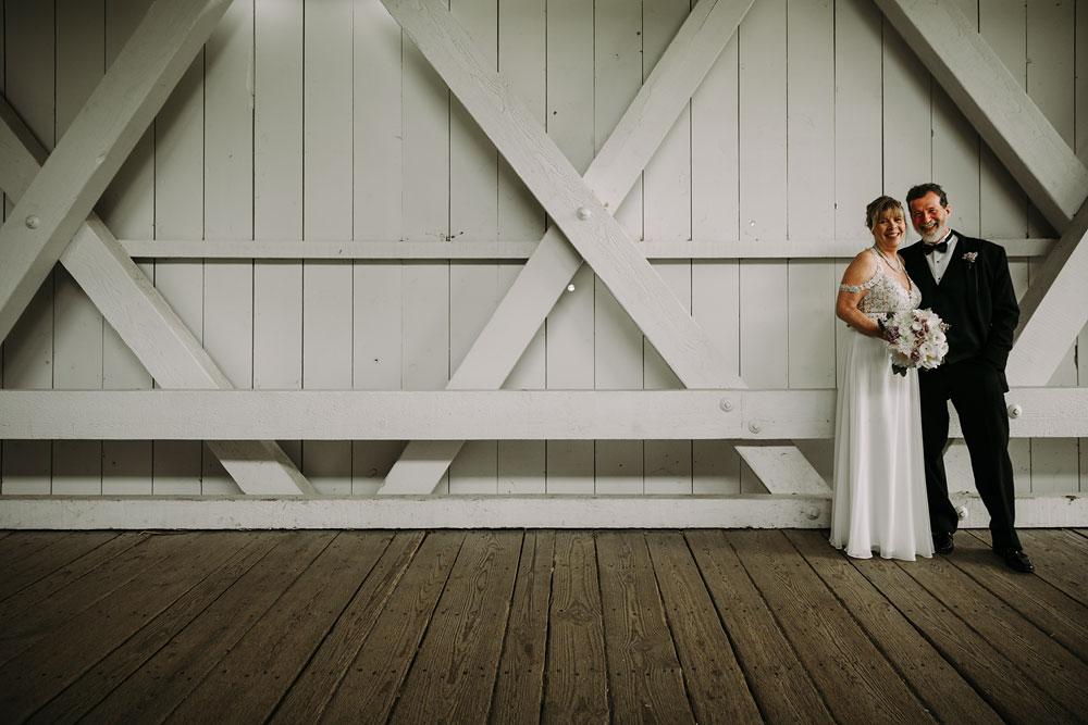 cuyahoga-valley-national-park-wedding-photographers-happy-days-lodge-peninsula-ohio-hudson-ohio-17.jpg